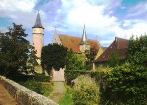 Wehranlage und Palatium mit Stadtgraben in Ochsenfurt